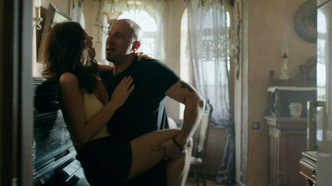 Секс физрука и тани